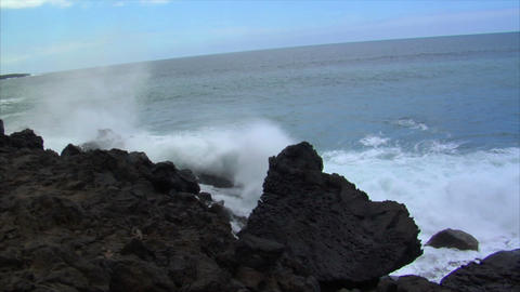 two big waves crushing audio Footage