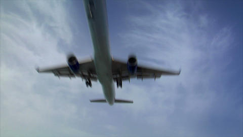 landing plane jet fly over wide audio Stock Video Footage