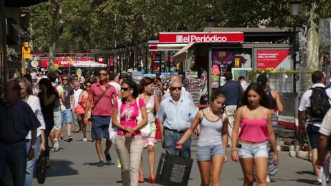 Crowds Shopping in Barcelona Live Action