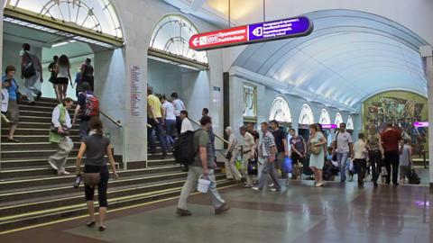 Zvenigorodskaya, waiting-exiting, St. Petersburg, Stock Video Footage