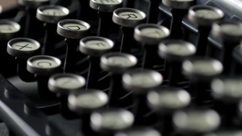 Typewriter rack focus Stock Video Footage