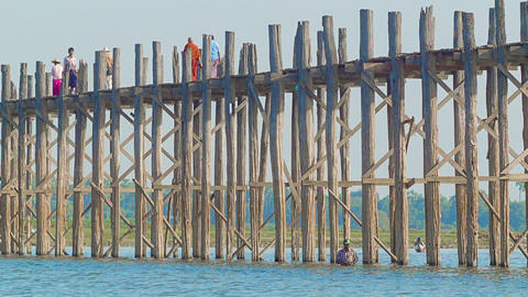 MANDALAY. MYANMAR - 13 JAN 2014: U Bein Bridge acr Footage