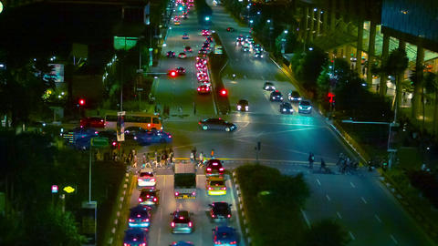 SINGAPORE - DEC 31 2013: Busy traffic on the stree Footage