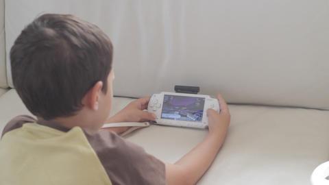 Kid Play PlayStation Portable Footage