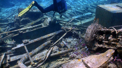 shipwreck on the seabed Stock Video Footage