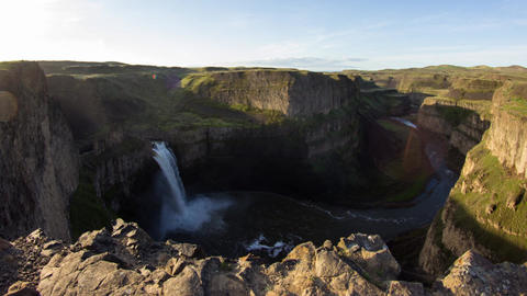 Dolly shot of Palouse Falls Footage