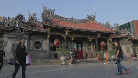Dolly shot -in Longshan Temple courtyard Footage