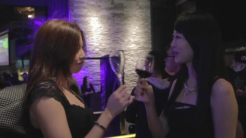 Glamour Taiwan girls toasting Live Action
