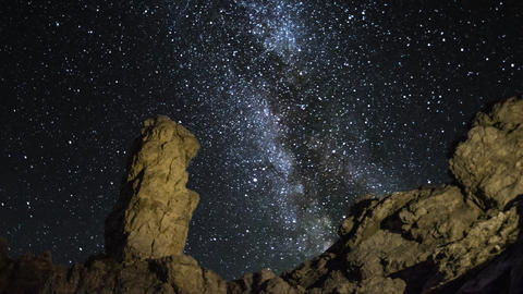 4k UHD time lapse monolith milky way pan 11576 Footage