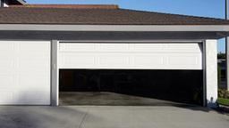 Closing garage door Footage