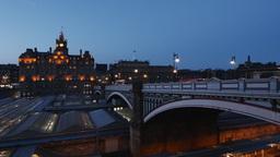 4K North Bridge in Edinburgh, Scotland Live Action
