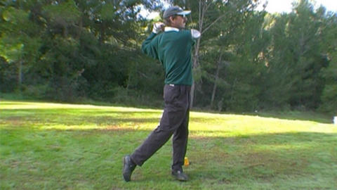 Golf - teeing off Stock Video Footage