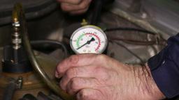 Vacuum Pump Car Cooling Circuit Pressure Test Live Action