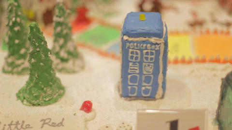 creative minature gingerbread house Live影片