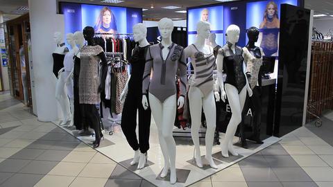 Mannequins in clothes shop Live Action