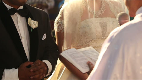 indian groom and caucasian bride Footage