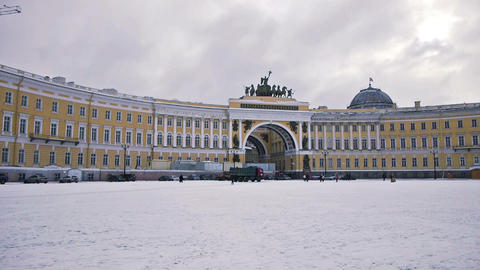 Arc of General Stuff on Dvortsovaya square, St. Pe Stock Video Footage