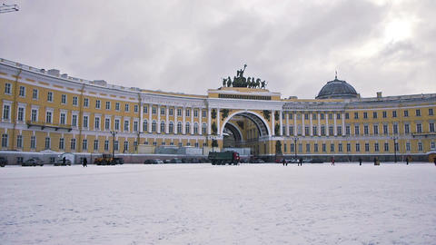 Arc Of General Stuff On Dvortsovaya Square, St. Pe stock footage