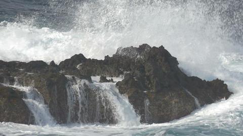 FullHD, Dramatic water waves splashing and crashin Live Action