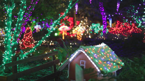 gingerbread house with colorful christmas lights - Live影片
