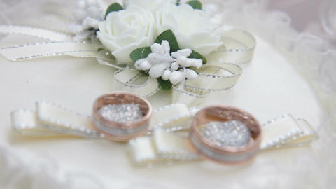 a wedding rings, Live Action