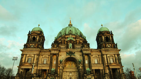 Timelapse of clouds mover over the Berliner Dom Live Action