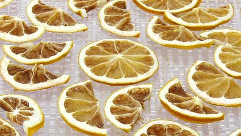 Time-lapse of drying lemon fruit 1b1 Live Action
