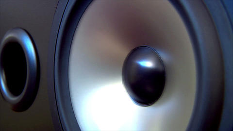 10622 speaker two extreme dolly Stock Video Footage