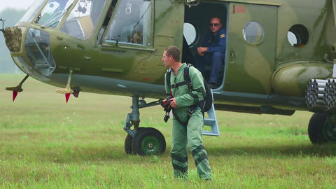 Paratroopers before airshow Stock Video Footage