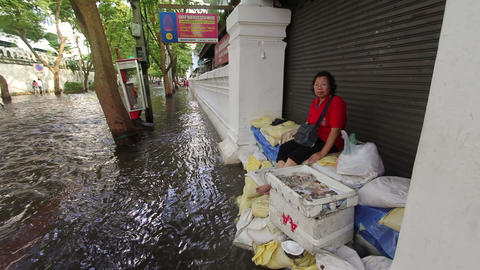 Selling in flood Stock Video Footage