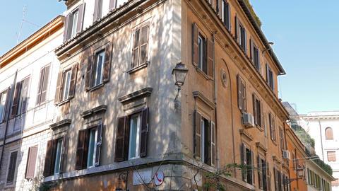 House on Via Di Ponte Sisto. Rome, Italy - February 18, 2015: The historic city  Footage