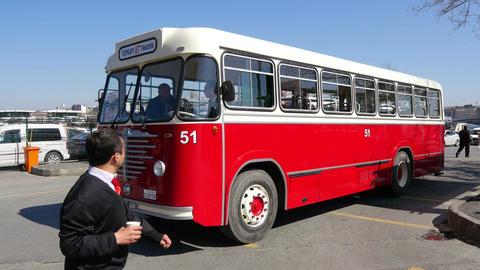 Nostalgic buses back on Istanbul roads Footage