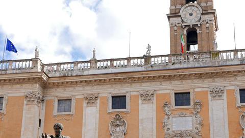 Statue of Marcus Aurelius and Comune Di Roma. Rome, Italy Live Action