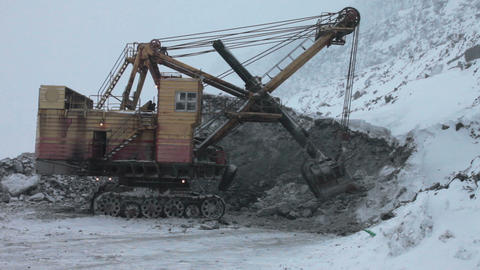 huge mining excavator Stock Video Footage