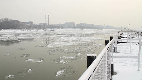 Ice on River 19 dock city Stock Video Footage