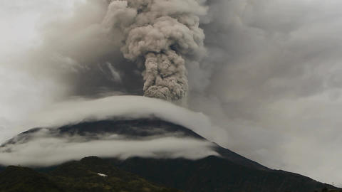 Tungurahua eruption Footage