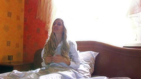 Beauty Woman Waking Up Videos de Stock