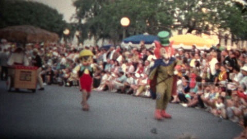 (8mm Vintage) 1968 Mickey Mouse Disney Parade Footage