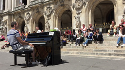 People applude a pianist in Paris Footage