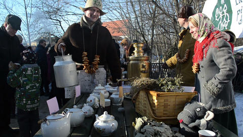 fun people make hot tea old retro tool spring event Stock Video Footage