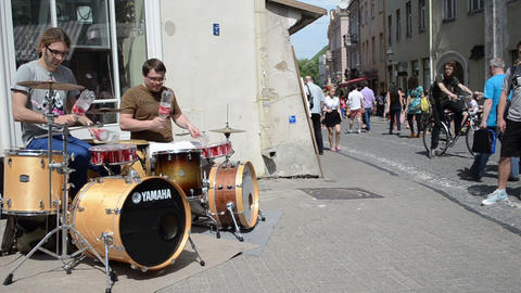 free fun entertainment event for people in old town street Stock Video Footage