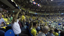 4k crowd cheer in basketball game Stock Video Footage