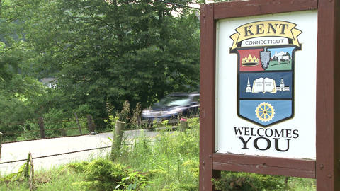 Welcome sign from the town of Kent, Connecticut Live Action