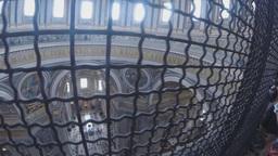 Cupola San Pietro , Vaticano , Italia stock footage