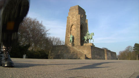 10672 nazi boots walk emperor monument Stock Video Footage