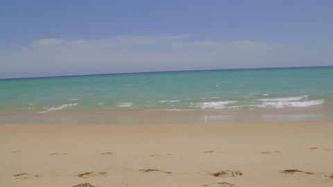 beautiful beach and clear blue ocean at Phuket - loopable Live Action