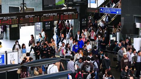 KYOTO, JAPAN - APRIL 04, 2015: Turnstile of Kyoto Station Footage