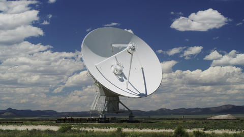 Radio Telescopes searching for Signals from Space in Time Lapse ライブ動画