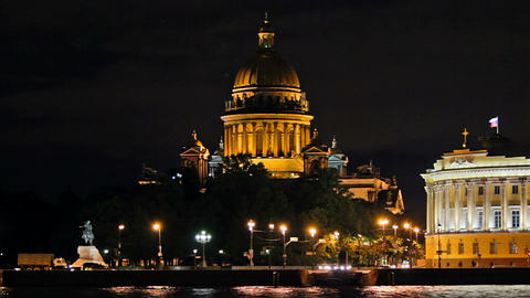 Isaac's Cathedral - a view from the waterfront Stock Video Footage