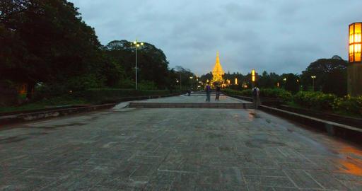 4k aerial - take off shwedagon pagoda Live影片